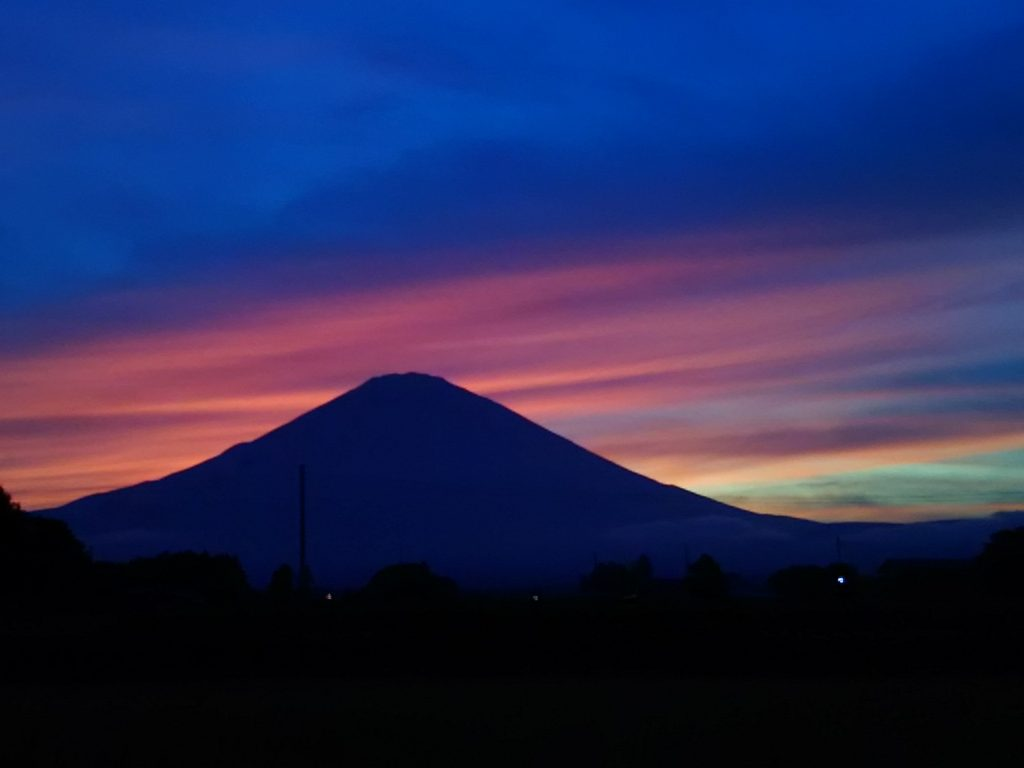 秋が近づいてきてます!夕方の富士山がきれいですね~