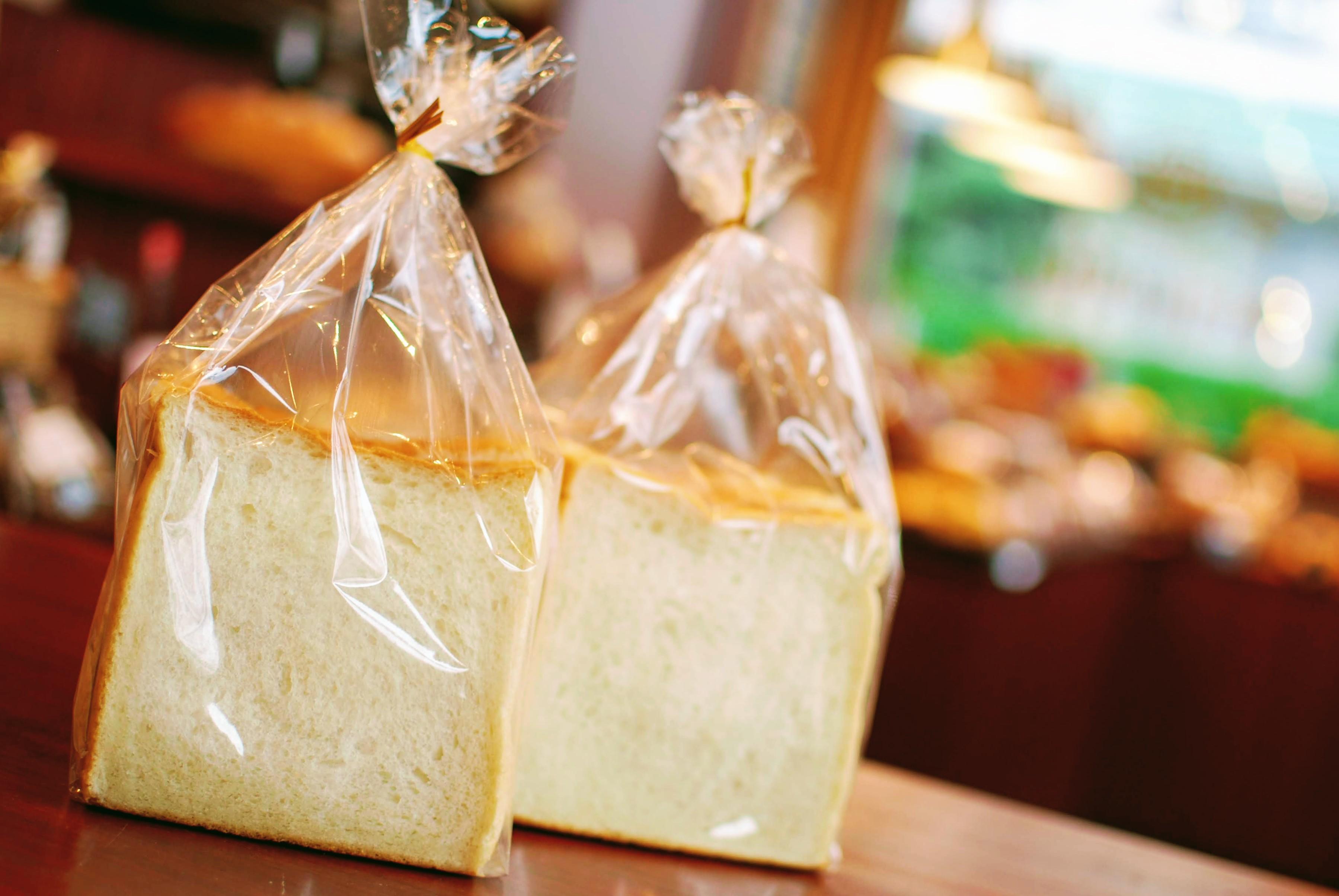 「厳選国産小麦のしっとり食パン」